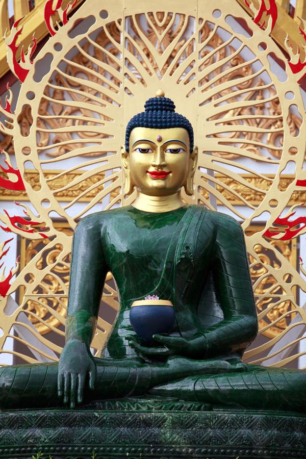 Nephrite Buddha statue